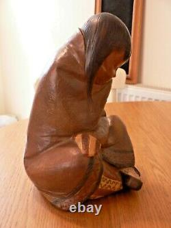 A Stunning Large Lladro 2008.3 Eskimo Girl Figure. Gres Finish. Mint