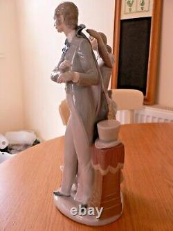 A Stunning Rare Very Large Lladro 4996 Ready To Go Figure. Mint