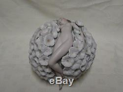 Attractive Collectable 6.5 Lladro Spain Figure 8365 Floral Dreams