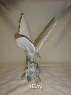 Attractive Large 11.75 Lladro Spain Porcelain Figure 4550 Turtle Dove