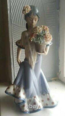 Authentic Lladro Flor Maria Flamenco Ornament Figurine