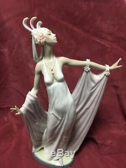 Beautiful Large Lladro Figurine Grand Dame #1568 Retired 1992 Ex Con