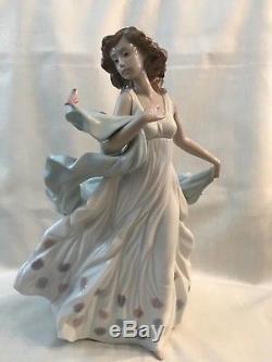 Beautiful Lladro Figurine Summer Serenade