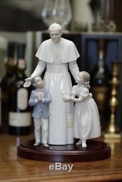 Beautiful Lladro of Pope John Paul II Limited Edition