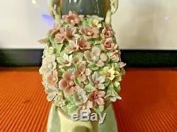 LLADRO A Barrel of Blossoms #1419. GIRL w FLORAL WHEELBARROW MINT CONDITION