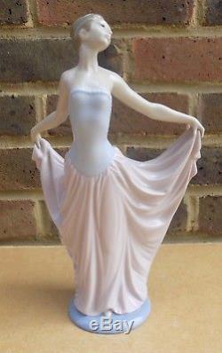 LLADRO Ballerina Dancer Figurine 5050