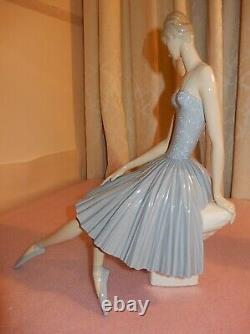 LLADRO, Beautiful Ballerina, Art at its very best, Large piece, VERY RARE