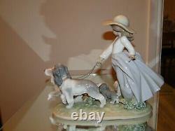 LLADRO Figurine PUPPY Parade # 6784 Year 2000