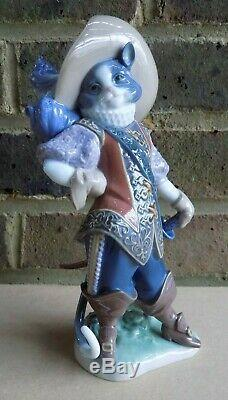 LLADRO Figurine Puss in Boots 8599