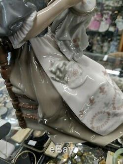 LLADRO LADY Sewing EMBROIDERER No 4865 beautiful piece 1994