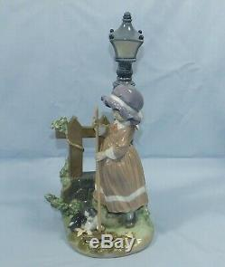 LLADRO LARGE PORCELAIN FIGURINE FALL CLEAN UP No 5286 RETIRED IN ORIGINAL BOX