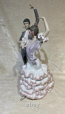 LLADRO Porcelain A PASSIONATE FLAMENCO DANCERS 6387