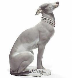LLADRO Porcelain ATTENTIVE GREYHOUND 01008607