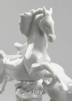 LLADRO Porcelain HORSES GALLOPING (WHITE) 01008682