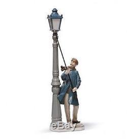 LLADRO Porcelain LAMPLIGHTER (01005205)