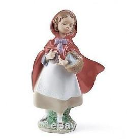 LLADRO Porcelain LITTLE RED RIDING HOOD (01008500)