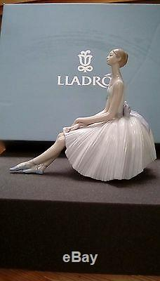 LLADRO Porcelain REFINEMENT 01008243