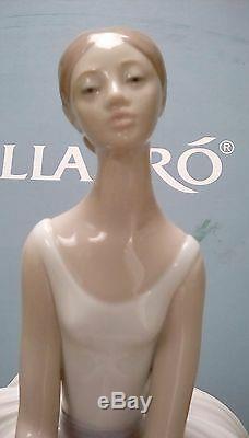 LLADRO Porcelain REFINEMENT 01008243