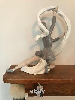 Large 13 vintage 1977 Nao by Lladro Figurine Porcelain Dancer With Veil