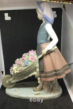 Large Lladrò #01419 A Barrel Of Blossom Girl With Wheelbarrow Of Flowers