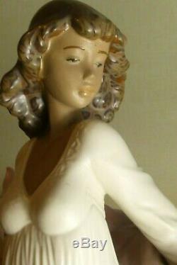 Large Lladro Figurine Spring Splendour Girl Holding Flower Basket 2325