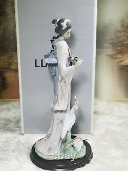 Large Lladro Japanese Figurine In Touch With Nature#6572(Boxed)