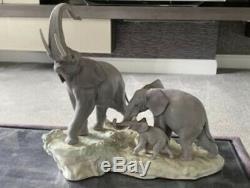 Large Lladro Porcelain Figurine Elephant Family