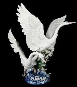 Large Lladro -swans Take Flight- Prestige Figure Model 5912 Duck Goose Bird Pond
