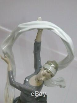 Large NAO by LLADRO'Ballerina with Veil' Porcelain Figurine (2000185) VGC