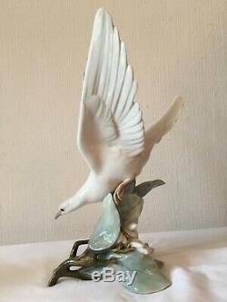 Large lladro figurine Spainish Porcelain Turtle Dove