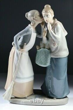 Lladro 11 1/2 The Gossips Gossip 4984