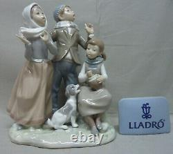 Lladro #1239 Christmas Carol Issued 1973 Retired In 1981 10 Tall