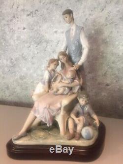 Lladro 1805 Portrait Of A Family No. 877 Piece Excellent Condition