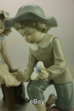 Lladro #5361 Try This One Handmade & Retired Figurine