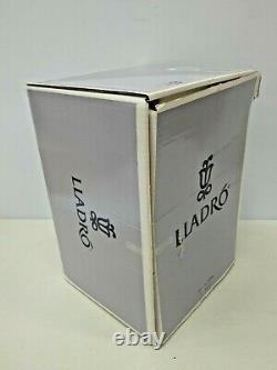 Lladro 6193 Summer Serenade 1995 Figurine in Original Box 12 tall Immaculate