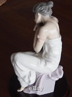 Lladro 6313'Lost in Dreams' 10 Porcelain Figurine 100% AS NEW