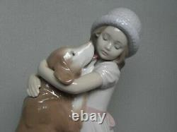 Lladro 6903 A Warm Welcome Young Girl And Her Dog