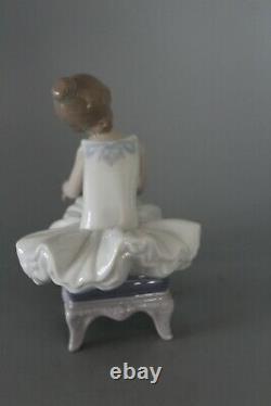 Lladro 8125 Little Ballerina Figure VGC