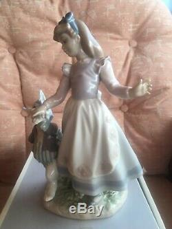 Lladro (Alice In Wonderland)Stunning Condition And Boxed. Very Rear. 05740