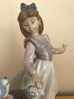 Lladro Alice In Wonderland & White Rabbit 5740 Retired With Original Box