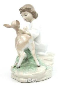 Lladro And The Little Child Shall Lead Them Figurine 6928 Retired 2003-07