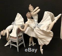 Lladro Backstage Ballet. 8476. Ballerina trio. Limited Edition. Artist signed