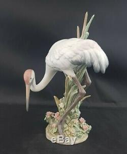 Lladro Bowing Crane Model 1613