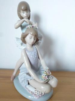 Lladro, Daisa,'First Ballet', #5714, Ballerina Dancer Girls/ Flowers Porcelain