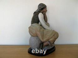 Lladro Figurine 13525 Classic Water Carrier Large Piece With Base Exc. Cond