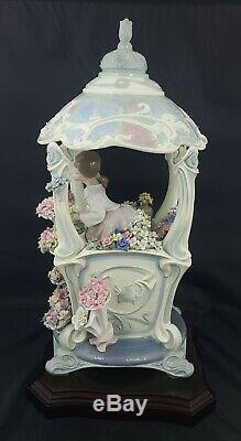 Lladro Figurine 1865 Gazebo in Bloom Ltd Ed