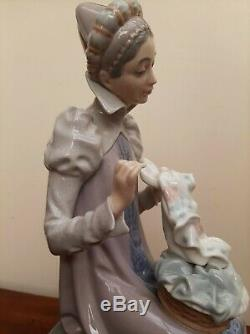 Lladro Figurine #5126 Medieval Lady Embroidering Rare Retired S. Furio VGC