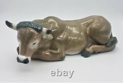 Lladro Figurine 5482 Nativity Ox Cow