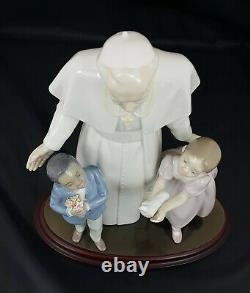 Lladro Figurine 853 Pope John Paul II Flanked by children Ltd Ed Signed