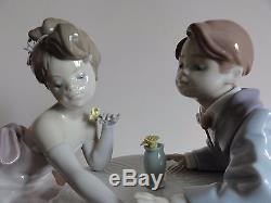 Lladro Figurine A Little Romance 6630 BNIB